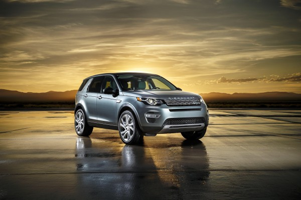 A strong family resemblance is evident with the smart and stylish looking all new Discovery Sport.