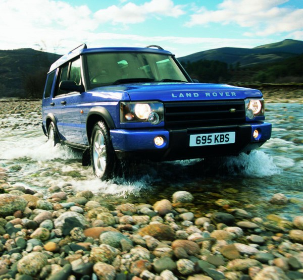By 1998 Land Rover had a new owner (BMW) and the Discovery 2 was a quantum leap in terms of power, quality and brand perception - Model shown is a face lifted Discovery 2 from 2002.