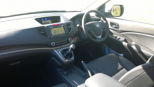 Interior sport leather seats and plenty of equipment. Its very well made but as with all Honda's, some plastics are hard to the touch. Cracking dual zone aircon and sweet gear-change makes it very pleasant to drive or travel in.