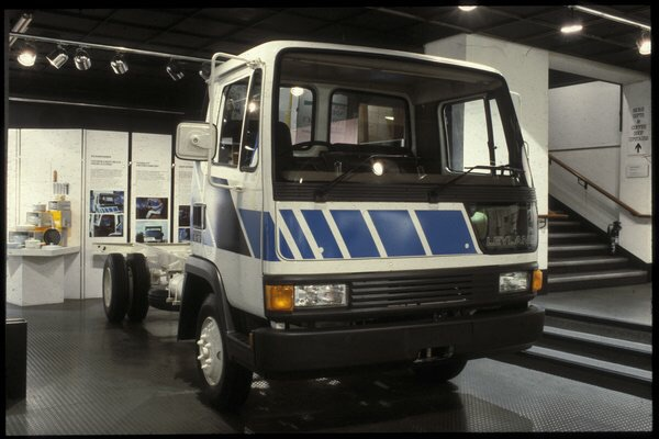 The Roadrunner in production form at the 1984 Design Council Award display.