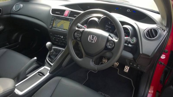 As we have come to expect, its a good drive and well equipped. Cool blue mood lighting to the front door pockets is neat and snazzy - only the fiddly head unit remains a pain... its very complicated until you get used to it.