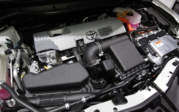 Power comes from the Toyota Synergy Drive System that uses a 1.8 petrol and electric CVT motor using a NM/H battery pack. Servicing intervals could be longer that 10.000 miles but being a Toyota... its bound to be utterly reliable.