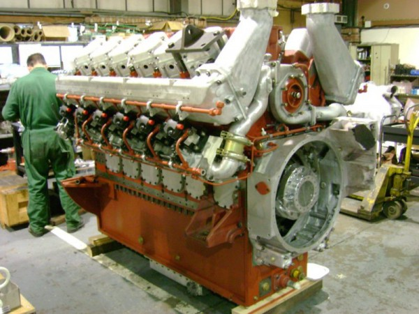 The original beating heart of the HST. A reconditioned Paxman Valenta 12RP200L diesel - all 79 litres and 2500bhp of it. (Img: GEC Diesels)