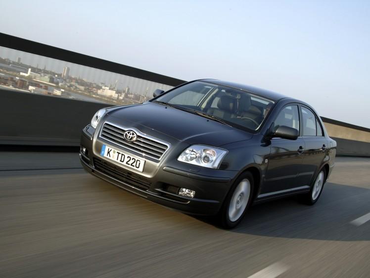 2003-avensis